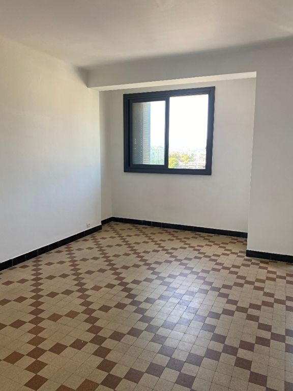 LOCATION  APPARTEMENT TYPE 3 TOULON